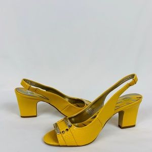 Anne Klein Akurbain Yellow Slingback 8M Open Toe